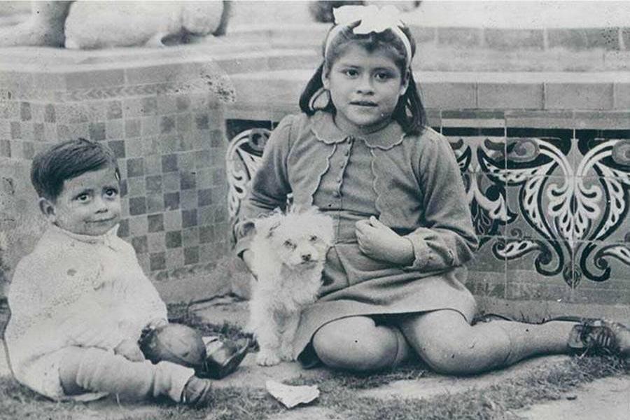 Lina Medina with her child