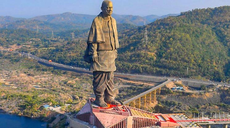 1. Statue of Unity - India Tallest statues